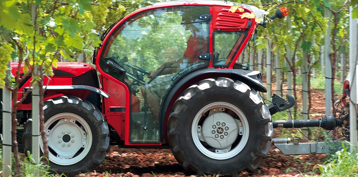 Antonio Carraro | TGF 9900, super-low-profile tractor