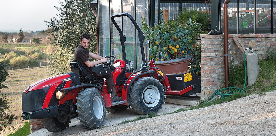 Antonio Carraro TTR 4400 II, isodiametric reversible tractor with hydrostatic transmission