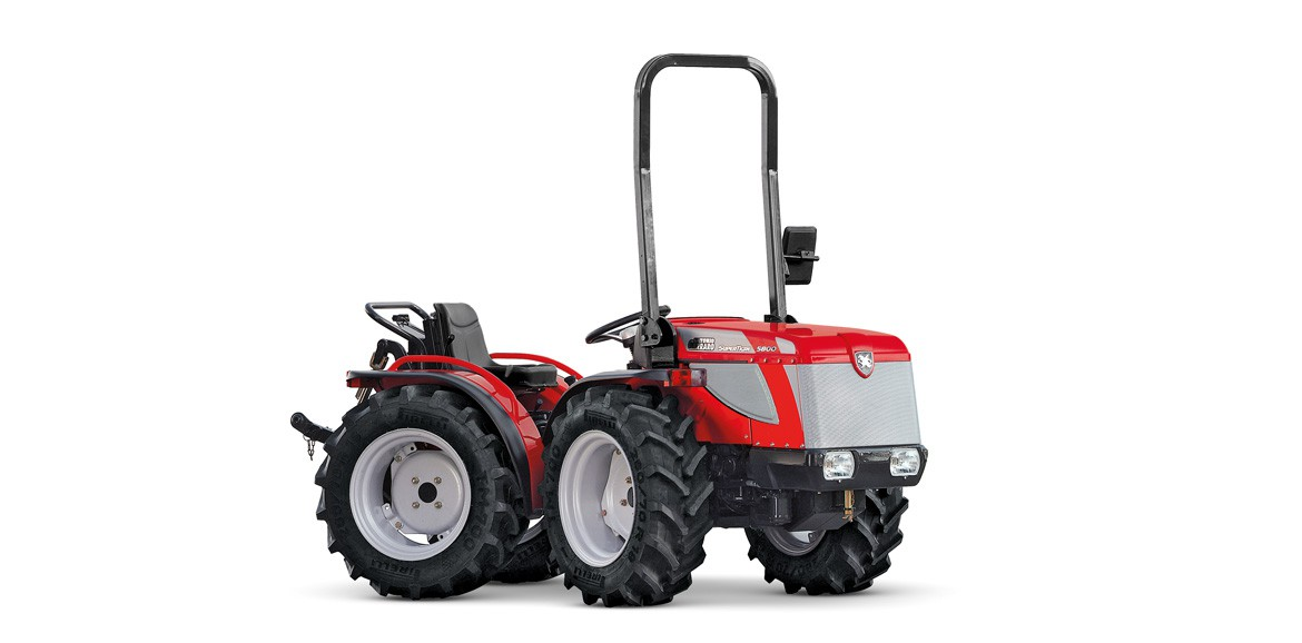 Antonio Carraro Supertigre 5800, isodiametric articulated tractor