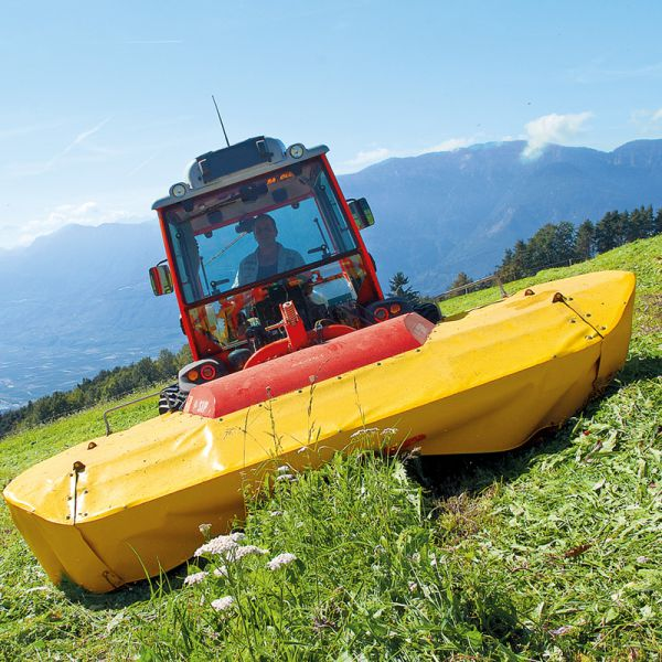 Tractors for steep slopes with Uniflex suspension