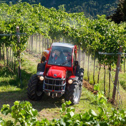 Antonio Carraro, tractors: TGF 9900, TGF 10900 R - Agility and design